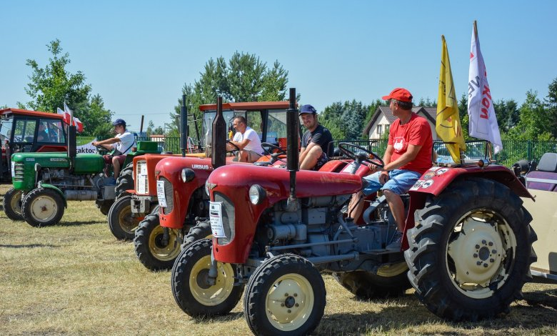 IV Zlot Starych Traktorów na Mazowszu w Woli Rasztowskiej